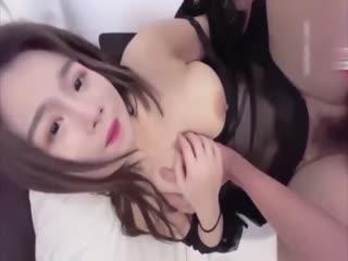 国产AV清纯小妹交不起房租无奈只能肉偿