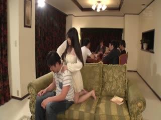 【中文字幕】照顾全家男性肉棒的巨乳姐姐