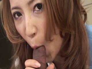 绫濑诗织办公室宝贝吹她的老板 ' s 迪克