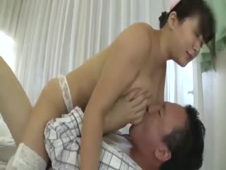 (中字)舔弄巨乳