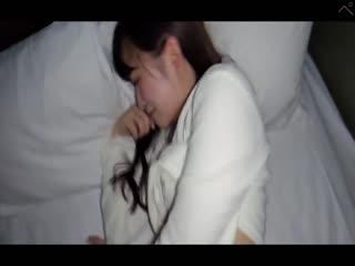 FC2PPV-1235209 【顔出し・無修正】声優を目指すウブな18歳の女の子に連続中出し(79分)