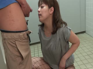 甜 Riho 三上跪提供日本口交
